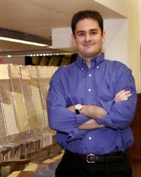 Silvio Elías, responsable de los supermercados ecológicos Veritas, fué otro de los responsables del sector ecológico que estuvo presente en uno de los actos de la campaña, apoyando a las personas con SQM