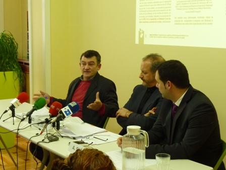 Carlos de Prada, Nicolás Olea y Alfredo Suárez en la rueda de prensa